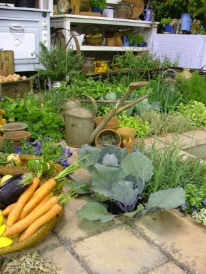 2006 Garden & Leisure Show. This herb & kitchen garden was a Gold winner
